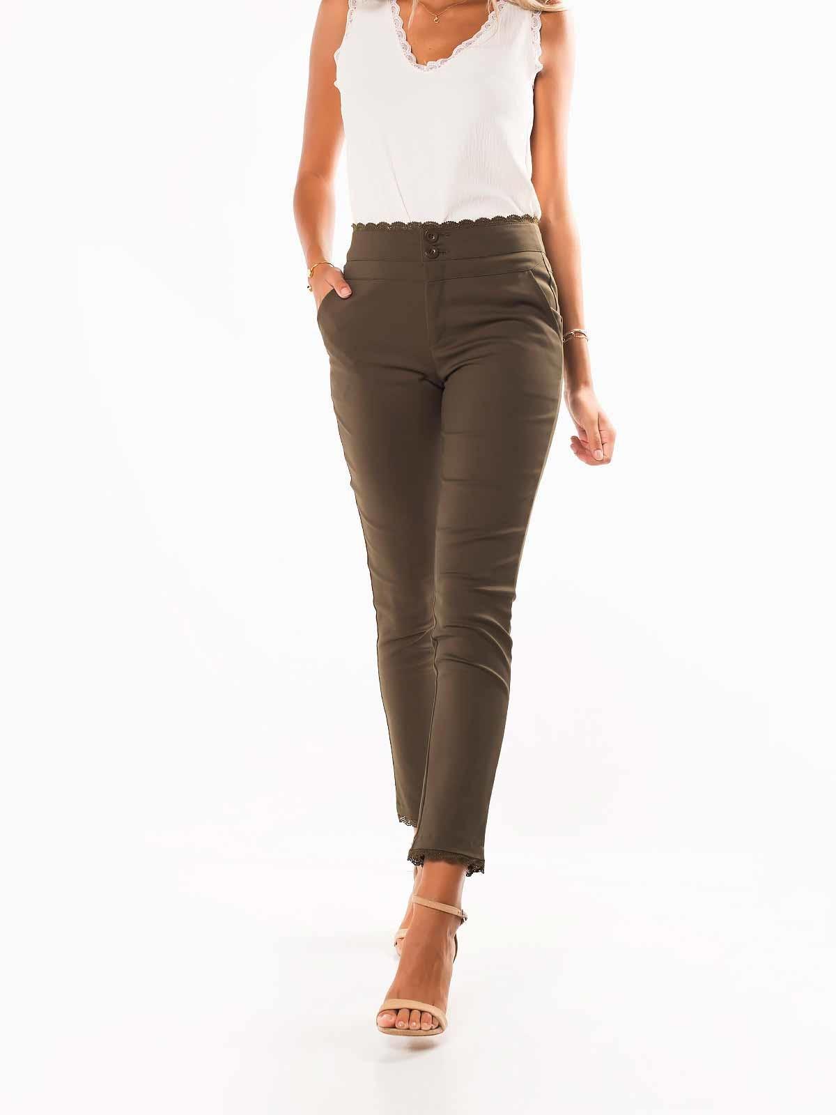Calças cintura alta com renda