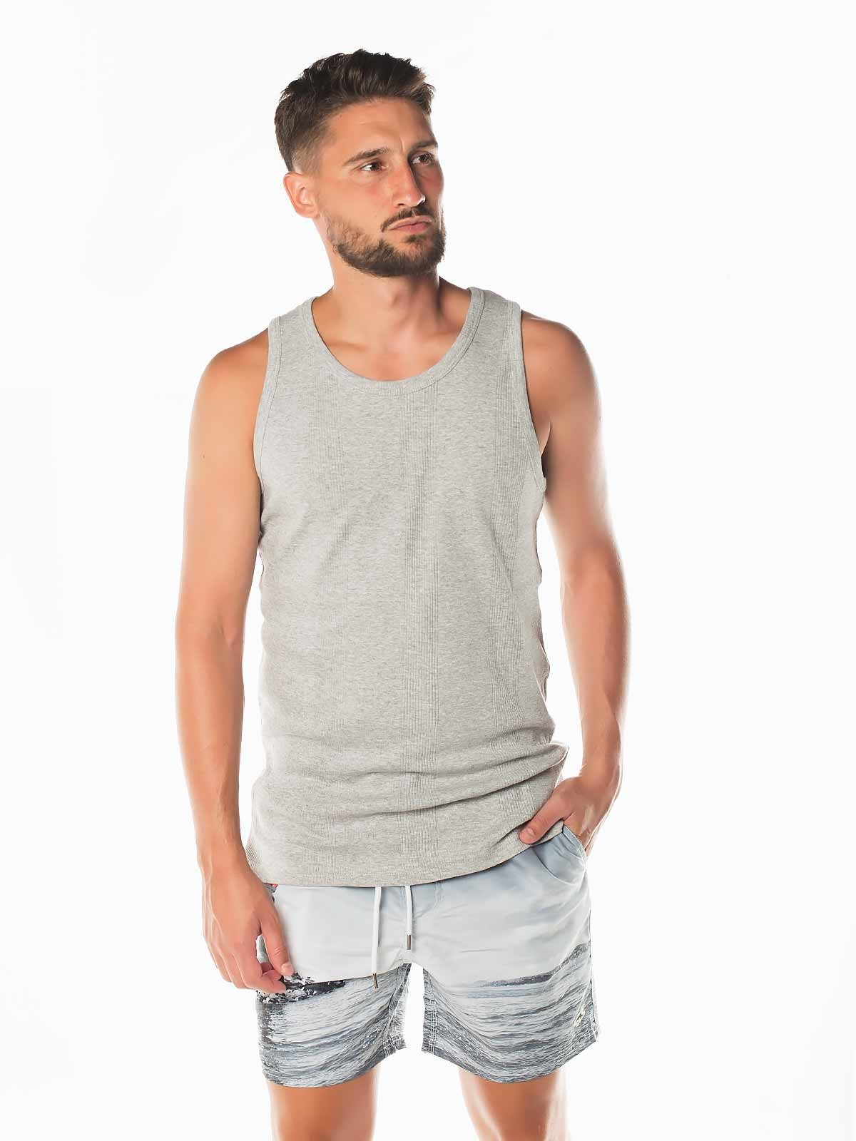 T-shirt sem mangas básica